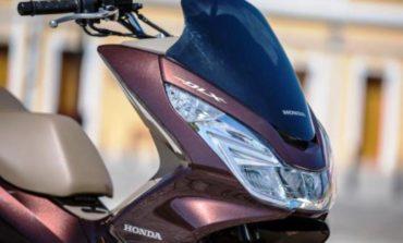 Honda PCX 2017 chega com novas cores
