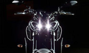 """Yamaha MT-09 aparece de """"cara nova"""" no Salão de Colônia 2016"""