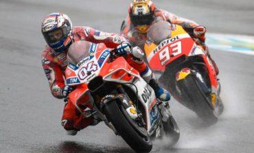 Andrea Dovizioso supera Marc Márquez na última volta para vencer no Japão
